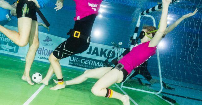 Unterwasser Fußball EM – Orakel oder einfach ein Riesenspaß?